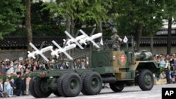 한국군이 2013년 국군의날 시가행진 때 첫 공개한 스파이크 미사일(이스라엘제)의 모습