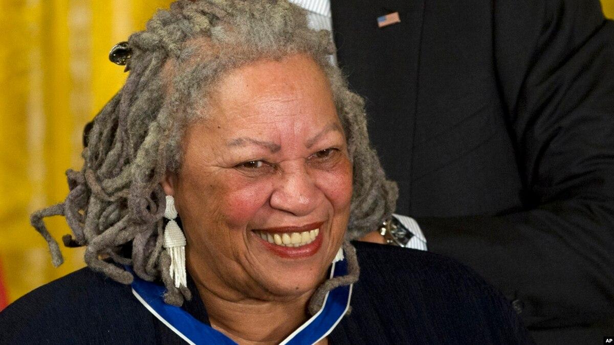 Nobel Winner Toni Morrison Dies at 88