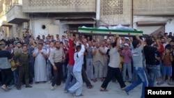 Похороны жертв вооруженных столкновений. Марат Аль-Нуман, Сирия