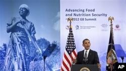 18일 G8 정상회의 개막식에서 연설하는 바락 오바마 미 대통령.