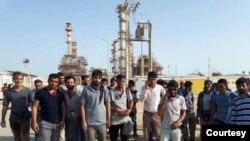 İranın cənub vilayətlərində neft emalı zavodlarının işçiləri tətil aksiyası keçirir.