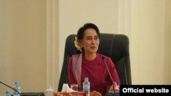 NLD ပါတီဥကၠ႒ ေဒၚေအာင္ဆန္းစုၾကည္ (Photo- NLD chairperson)