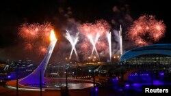 Pháo hoa được bắn với hình ảnh tượng trưng số 22 theo ký hiệu La Mã tại lễ khai mạc Thế vận hội mùa đông Sochi 2014