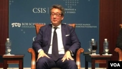 前美國國安會亞洲事務主任車維德星期三在戰略與國際研究中心的研討會上(美國之音莉雅拍攝)