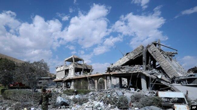 Hiện trường một địa điểm bị Mỹ không kích ở Damascus, Syria