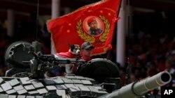 El presidente Maduro reiteró el carácter cívico-militar que garantiza el éxito de la llamada revolución.