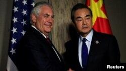 Державний секретар Рекс Тіллерсон і міністр закордонних справ Китаю Ван Ї