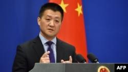 2018年3月28日,中国外交部新闻发言人陆慷在北京通报会上发表讲话。
