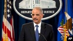 """Jaksa Agung AS Eric Holder menyerukan diadakannya diskusi nasional tentang """"isu-isu rumit dan emosional"""" di Amerika (foto: dok)."""