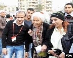 Egipatska feministkinja, velika podrška prosvjedima