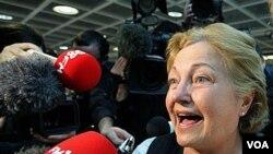 Mairead Corrigan-Maguire, aktivis Irlandia pemenang Hadiah Nobel Perdamaian tahun 1976 atas upayanya mencari resolusi perdamaian di Irlandia Utara.