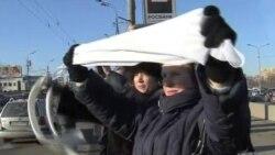 2012-01-30 粵語新聞: 莫斯科駕車者以白色蓋車以抗議普京