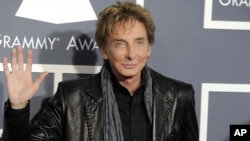 Barry Manilow arrives at the 53rd annual Grammy Awards in Los Angeles, Feb. 13, 2011