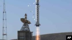 2003年10月21日中国和巴西地球资源探测卫星通过长征四号乙运载火箭炒年从太原卫星发射中心升空