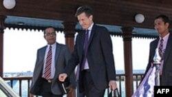 Trợ lý ngoại trưởng Mỹ Robert Blake đến Maldives, ngày 11 tháng 2, 2012