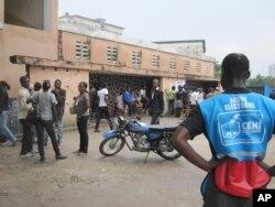 Vue d'un bureau de vote de Kinshasa le 28 novembre 2011