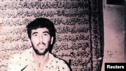 تصویری رون آراد، خلبان اسرائیلی ناپدید شده در لبنان در حین اسارت. این تصویر ۱۳ ژوئیه ۲۰۰۸ در شبکه ۱۰ خبر اسرائیل منتشر شد.
