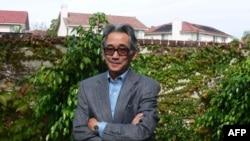 Kinh tế gia Nguyễn Xuân Nghĩa nhận định, ngày càng nhiều người 'chọn con đường tiến thân qua chính trị'.