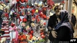 در سالهای اخیر ولنتاین در ایران رونق بسیار داشته است.