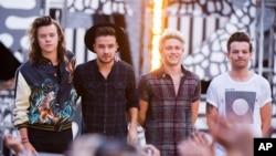 "Kelompok One Direction saat tampil di acara stasiun televisi ABC ""Good Morning America."" (Foto: Dok)"