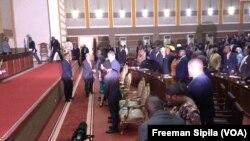 Antonio Guterres à l'Assemblée nationale à Bangui, Centrafrique, le 27 octobre 2017. (VOA/Freeman Sipila)