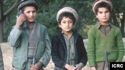سهربازانی منداڵ له ئهفغانستان