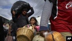 Algunos migrantes hallaron trabajo cerca del complejo y no habían decidido si se mudarían a un lugar desconocido.
