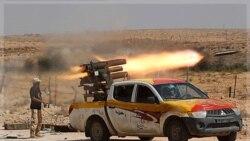 مخالفان قذافی در نزدیکی سرت. ۱۷ سپتامبر ۲۰۱۱