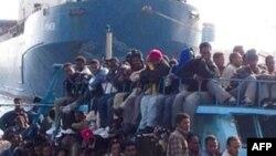 Di dân tìm cách đến đảo Lampedusa của Ý