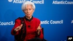 la directora gerente del FMI, Christine Lagarde asegura que el crecimiento económico es demasiado lento y desigual.