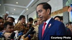 "President Joko ""Jokowi"" Widodo has called for strong measures against drug suspects."