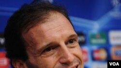 Pelatih AC Milan, Massimiliano Allegri (foto: dok).