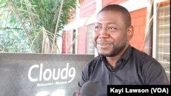 Raïmi Ramanou, responsable du restaurant Cloud 9, à Lomé, 4 août 2020. (VOA/Kayi Lawson)