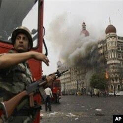 印度孟买泰姬陵酒店2008年11月29日受到枪手袭击后的情景