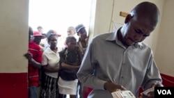 Ayiti: ONI Envite Sitwayen yo Pase Pran Kat Elektoral yo