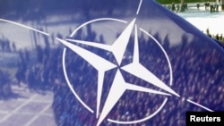 U pisanom odgovoru neimenovanog zvaničnika NATO-a navedeno je da Severnoatlantska alijansa ima sa Srbijom dugotrajno partnerstvo koje, kako je ukazano, ceni. (Foto: Reuters)