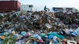 Kỹ thuật trong lãnh vực năng lượng thay thế hy vọng sẽ tạo được bước ngoặt trong năm nay là phế phẩm, kể cả rác thành nhiên liệu
