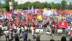 Người lao động khắp thế giới tuần hành đòi quyền lợi, tăng lương