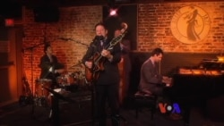 Beyond Category: John Pizzarelli
