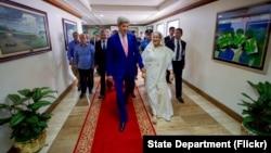 Госекретарь США Джон Керри и премьер-министр Бангладеш Шейх Хасина. Дакка, Бангладеш. 29августа 2016 г.