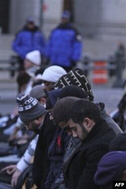 Nyu-York politsiyasi musulmon talabalarni zimdan kuzatgan