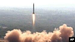 Quân đội Pakistan nói rằng phi đạn đạn đạo tầm trung Hatf V(Ghauri) được phóng đi hôm nay từ một địa điểm không được tiết lộ