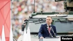 Polşa prezidenti Andjey Duda Varşavada Polşa Milli Ordusu Günü paradında çıxış edir. 15 Avqust 2018-ci il.