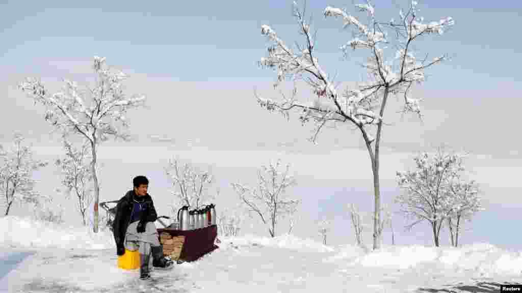 یک روز سرد زمستان در ساحۀ قرغه، شهر کابل