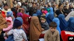 انسداد دروازههای تورخم و سپین بولدک سبب ایجاد مشکلات فراوان به مهاجران افغان شده است