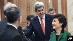 Ngoại trưởng Hoa Kỳ Kerry công du Trung Đông, Anh, châu Á