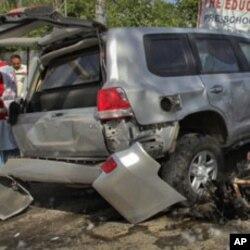 پشاور میں طاقتور خودکش کار بم دھماکا، 7 ہلاک