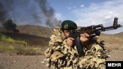"""پرسنل تیپ ۶۵ هوابرد نیروی زمینی ارتش ایران، به """"کلاه سبزها"""" مشهور هستند."""
