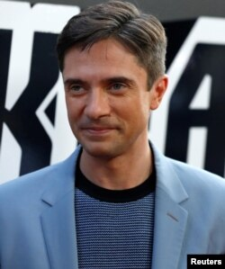 """Topher Grace poses at the premiere for """"BlacKkKlansman"""" in Beverly Hills, Calif., Aug. 8, 2018."""