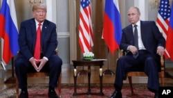 Дональд Трамп и Владимир Путин перед началом встречи «один на один» в Президентском дворце в Хельсинки, Финляндия, 16 июля 2018